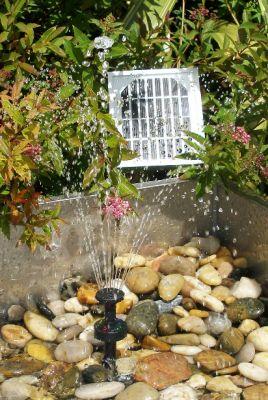 Pompa d 39 acqua energia solare fontana giardino laghetto for Laghetto giardino ebay