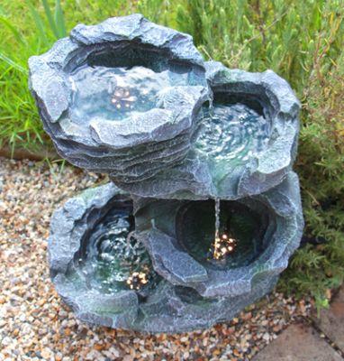 Fontana a cascata effetto roccia con luci Trevell - Ambienté €124,99