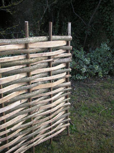 Pannello di recinzione in nastri di nocciolo intrecciato for Palissade noisetier