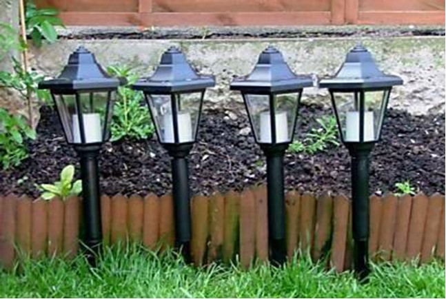 Lampade per esterni ad energia solare confezione da 4 31 99 - Lampade giardino energia solare offerte ...