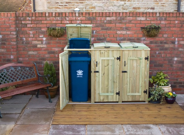 2 copri bidone e 2 spazi per contenitori per il riciclo for Contenitori da giardino
